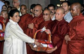 Behan Mayawati with Buddhist Monks