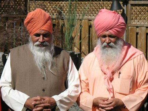 Sant Ramanand Ji (on right side) and Sant Niranjan Dass Maharaj Ji