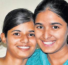 Namrata on left (Photo Credit Lokleader)